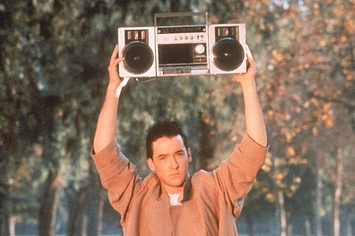 john-cusack-is-down-for-a-say-anything-sequel-1-5166-1334850413-6_big